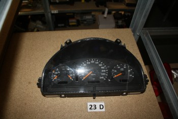 Mercedes C180 Tacho Kombiinstrument A1635407611