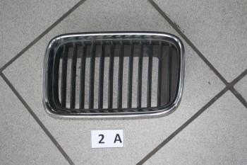 BMW E36 Kühlergrill Gitter Niere links 8151547